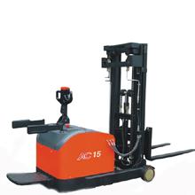 堆垛车_1.2-1.5吨前移式电动托盘堆_武汉中明工业设备
